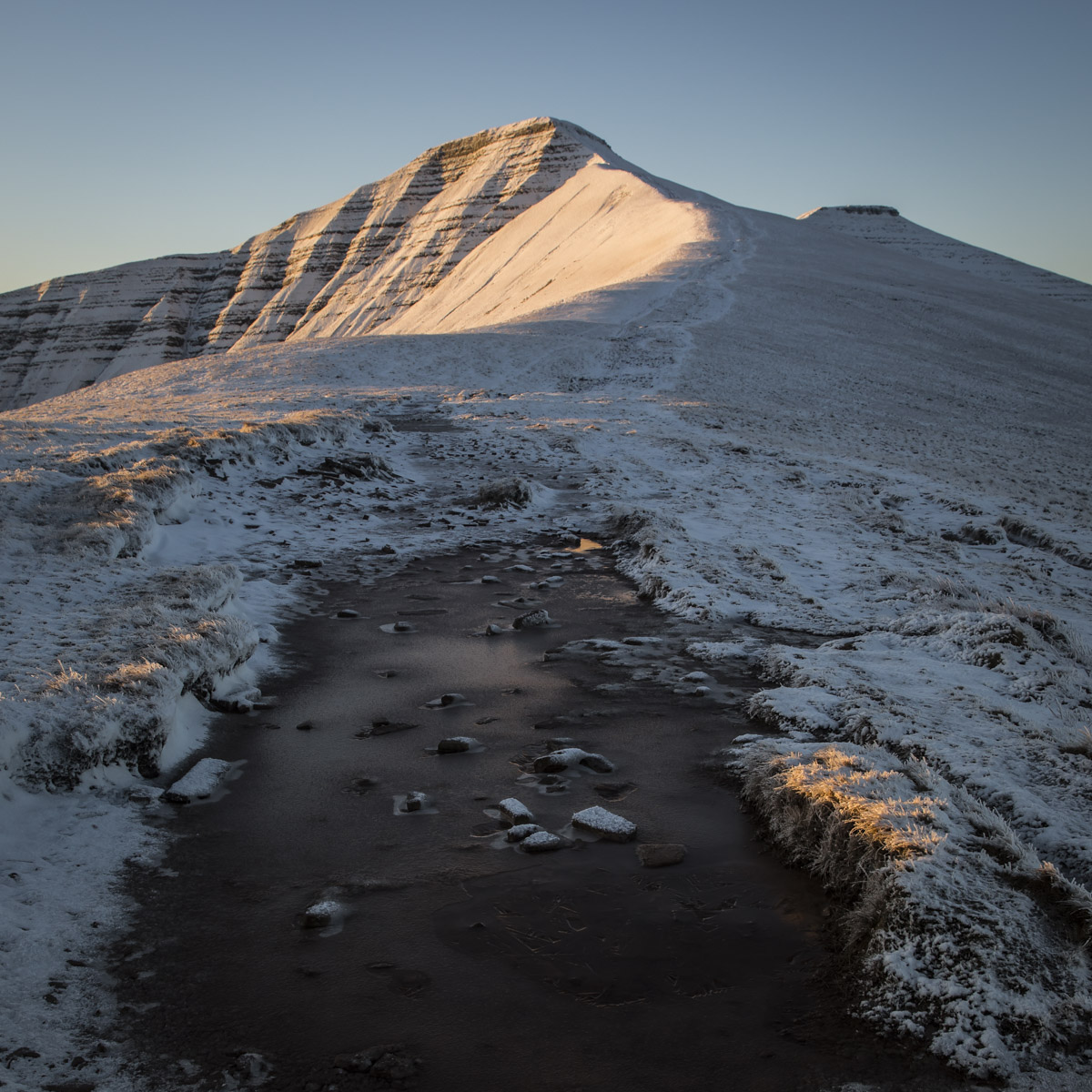First snow sunrise-on-pen-y-fan